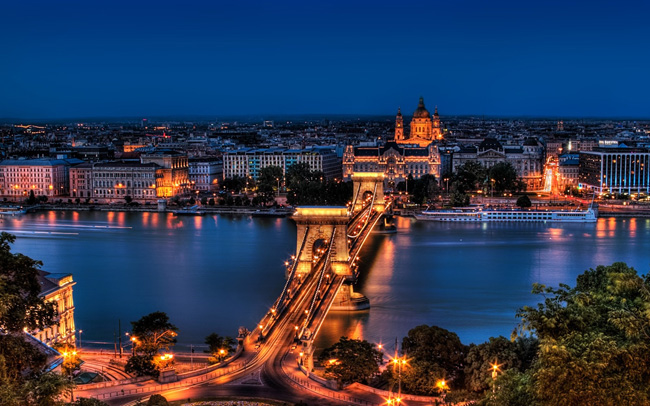 Discover the nightlife in Budapest Hungary