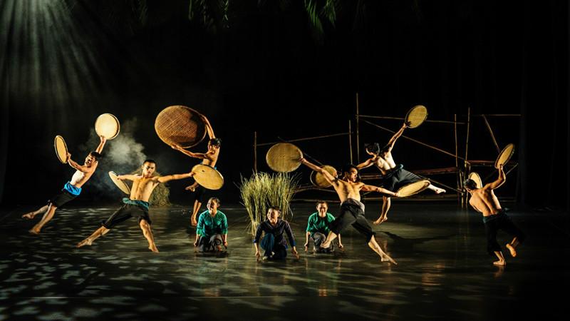 Saigon Opera House show
