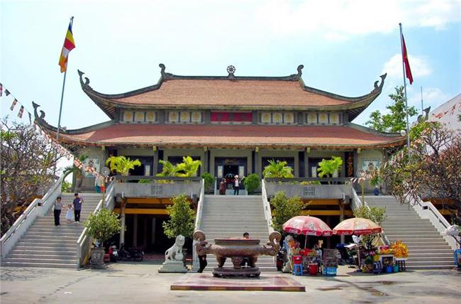 Vinh Nghiem Pagoda in Ho Chi Minh City