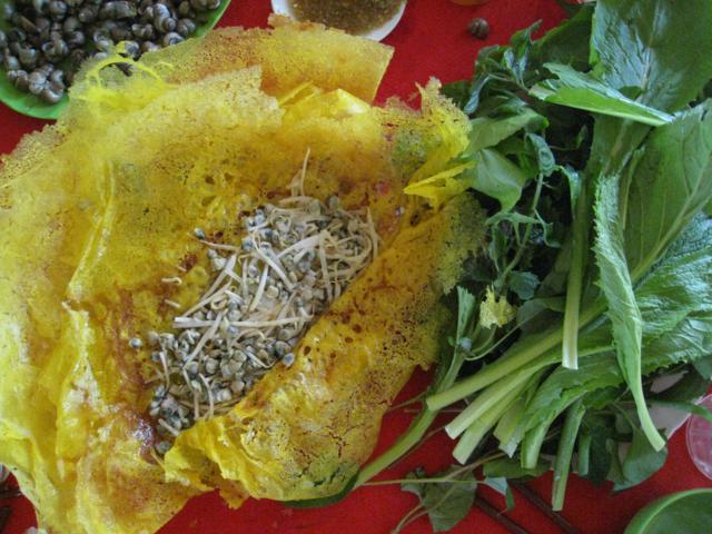 rice snail with Vietnamese pan cake Ben tre