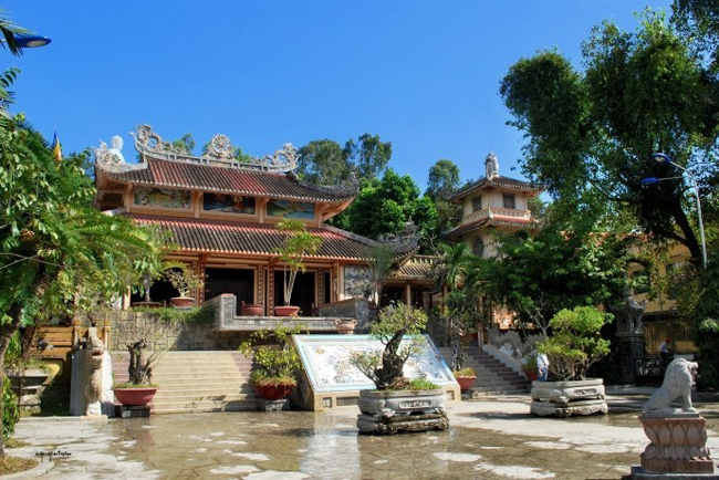 Discover Nha Trang Holy Places (Pagoda, Church)