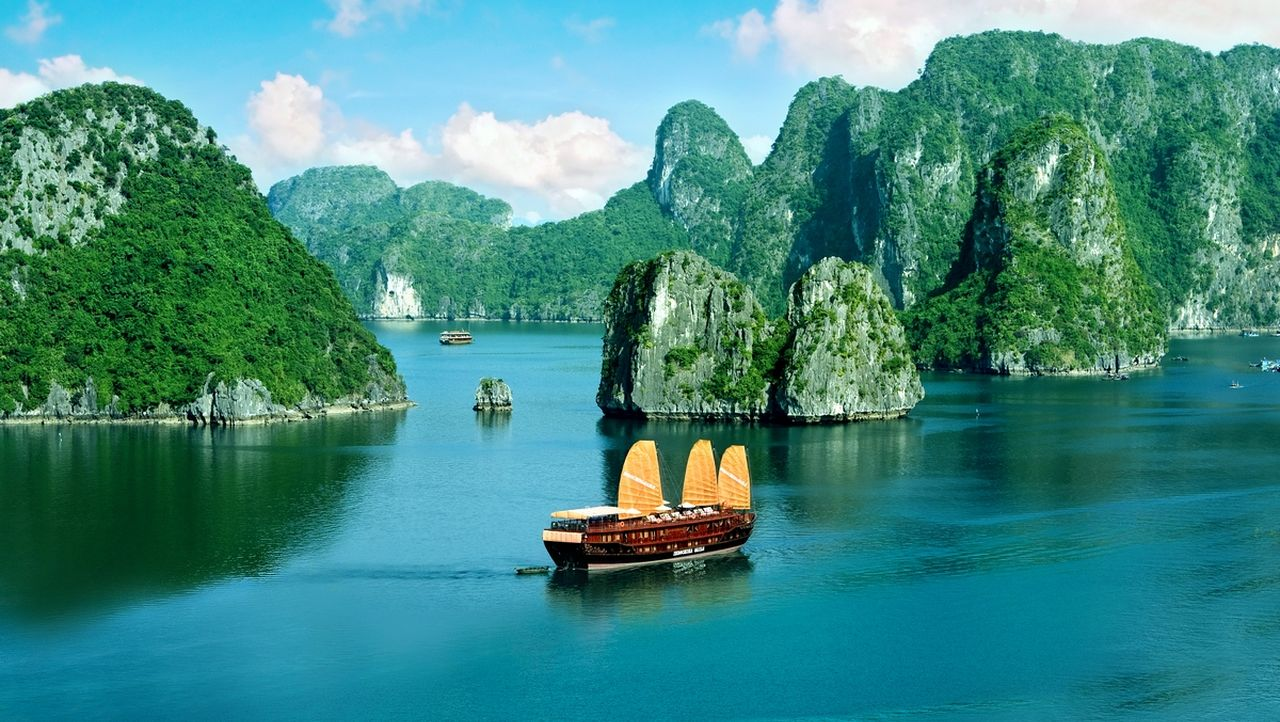 The best time to visit Halong Bay Vietnam