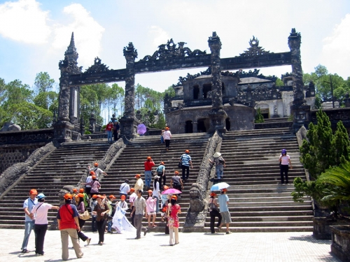 Hue Vietnam package tour