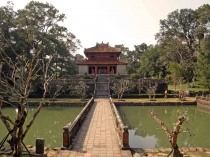 Hue City Tour 1 Day (Bus - Boat)