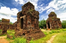 Central Vietnam 3 Days 2 Nights Tour (Ha Noi, Hoi An, My Son, Da Nang)