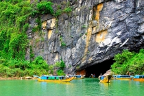 Tour Saigon - Da Nang - Son Tra Peninsula - Hoi An Old Town - Ba Na Hill - Hue City - Phong Nha Cave 5 Days 4 Nights