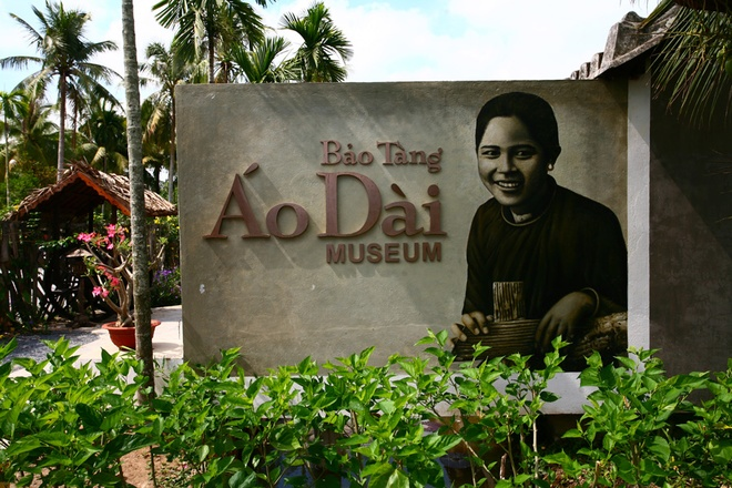 Visit Ao Dai Museum in Ho Chi Minh City