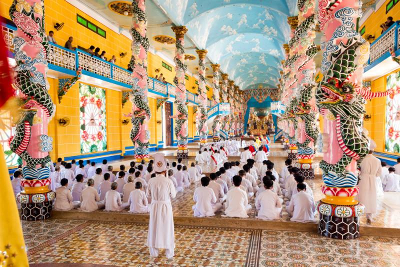 Cao-Dai-Temple-Viet-Fun-Travel