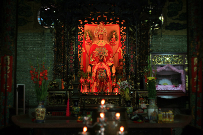 Thien Hau Temple inside