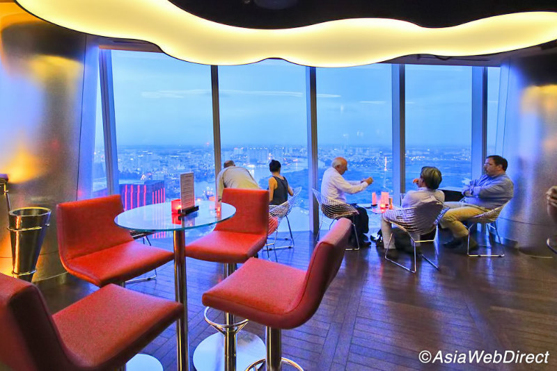 bitexco-financial-tower-cafe-50