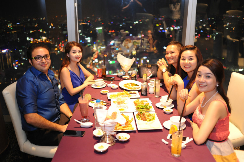 bitexco-financial-tower-restaurant-51
