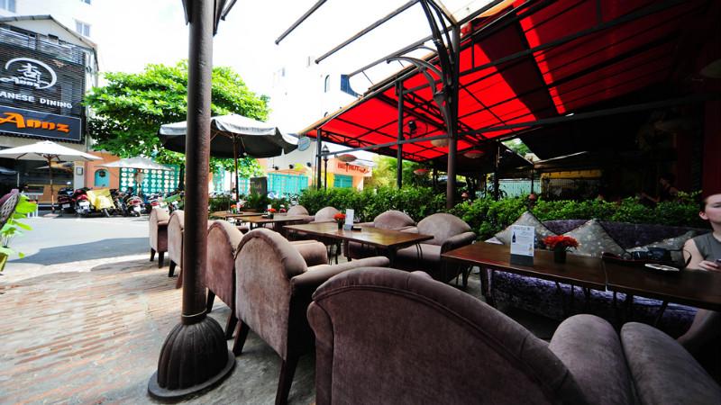 hoa-tuc-restaurant-ho-chi-minh-city.jpg