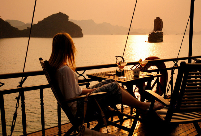 Over night yacht halong bay