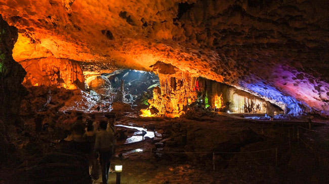 Admire 8 Most Spectacular Caves in Halong Bay