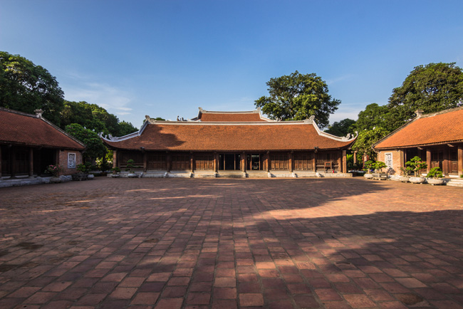 Drop by the Temple of Literature