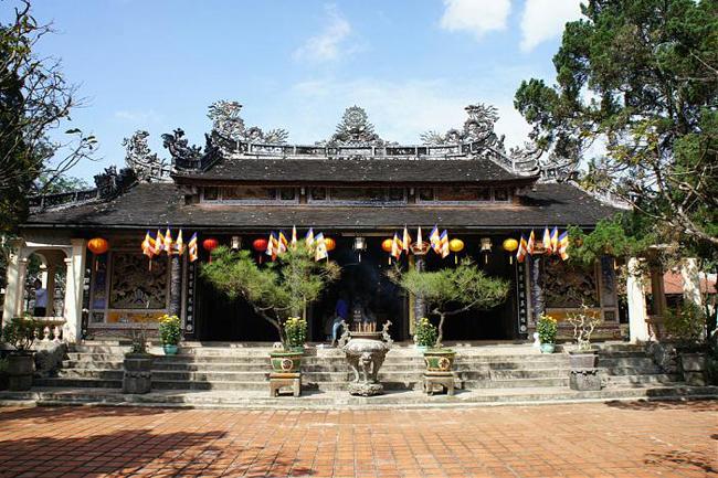 Tu Hieu Pagoda Hue