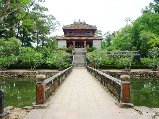 7 Most Famous Tombs You Should Visit When Coming To Hue