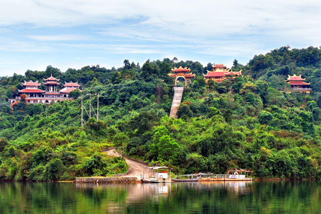 truc lam bach ma pagoda Hue