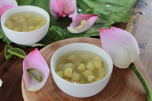 Lotus seed sweet soup