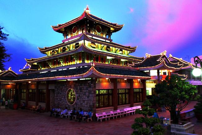 Visit Ba Chua Xu Temple