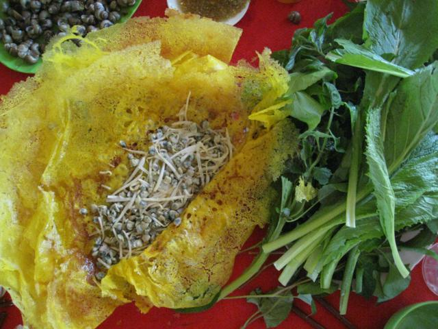 rice snail with Vietnamese pan cake Ben tre