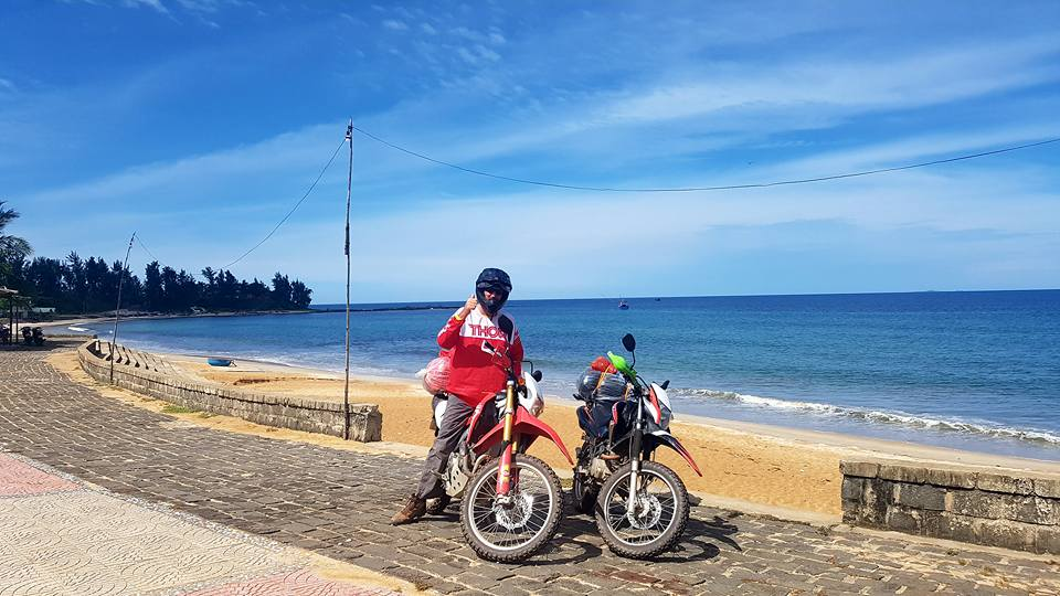 A man travel to Mui Ne by motorcycle