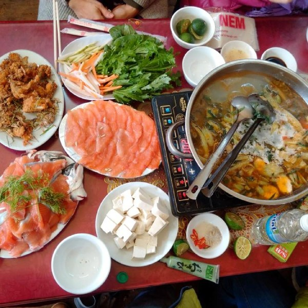 Salmon hot pot sapa