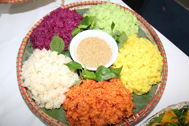 Seven color sticky rice sapa