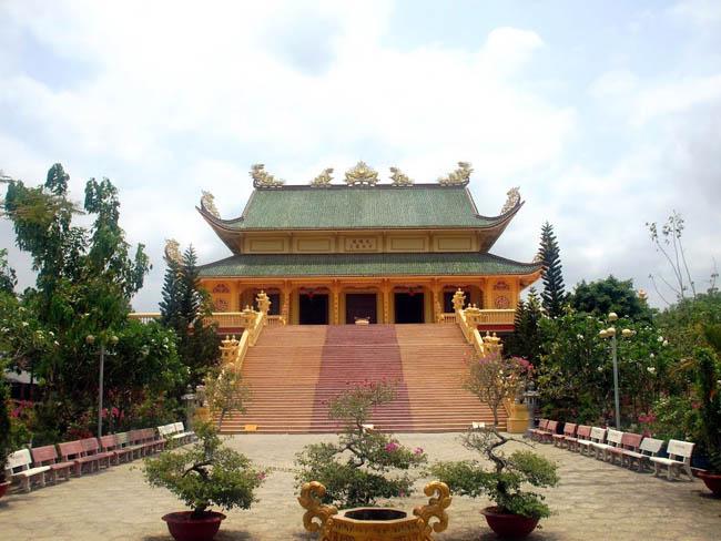 Dai Dong Lam pagoda