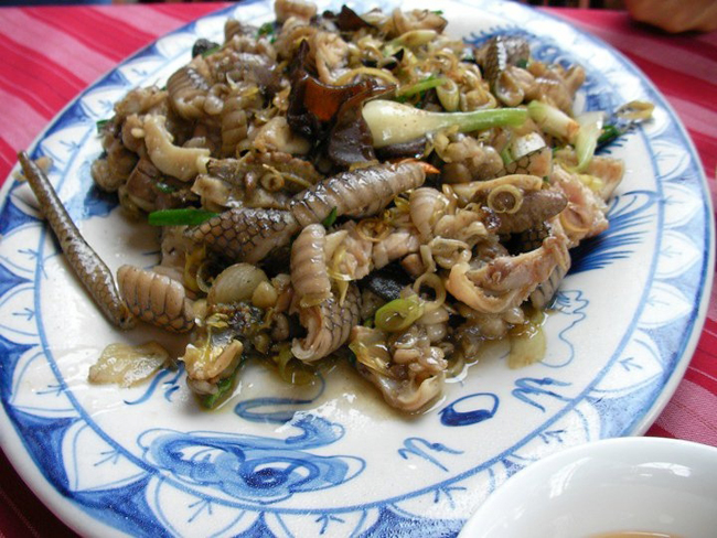 snake dish