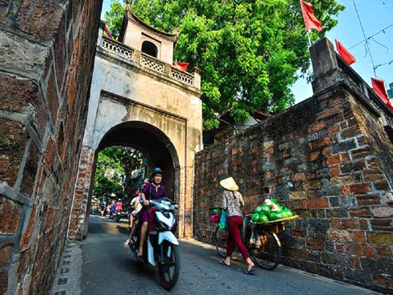 Vietnam tours and its tourist symbols